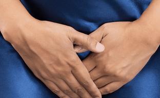 Стоит ли переживать, если у женщины появились выделения с прожилками крови?