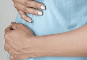 боль в правом яичнике отдает в поясницу