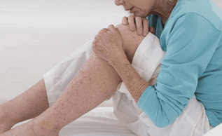 болят суставы во время климакса