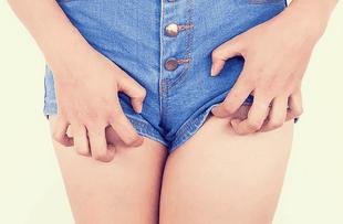 Пятна на внутренней стороне бедра у женщин: фото, причины, удаление